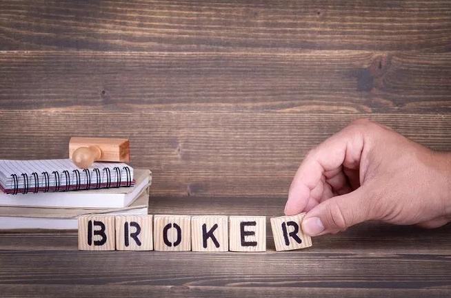 faktor memilih broker forex terbaik dan terpercaya